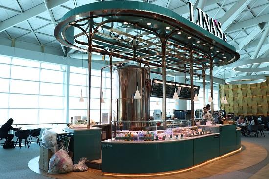 仁川空港第2ターミナル4階のLINA'S