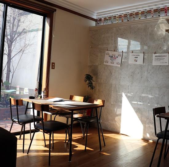 カフェ&ダイナー バー「chiyu」韓国スタイルの店内
