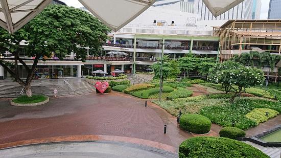 セブ(Ayala Center Cebuアヤラモール・アヤラセンター)の中庭