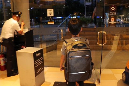 セブ(Ayala Center Cebuアヤラモール・アヤラセンター)のルスタンス側出口