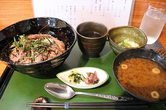四季の味 日和の日替わりランチ(ローストビーフ丼)