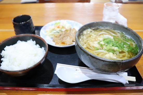 手打ちうどん「うえすぎ庵」の日替わり定食