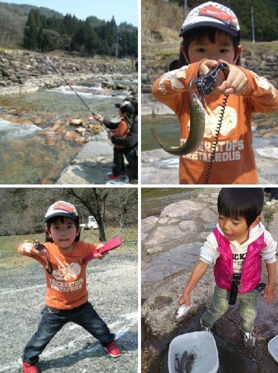 右手養魚センターで幼児が魚釣り