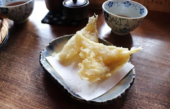 古民家そば処「でんしょう坊」キスの天ぷら