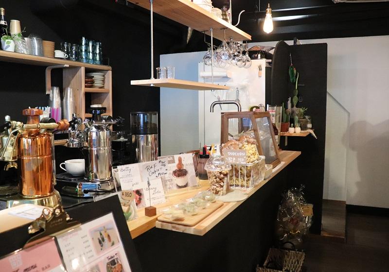 「RAF cafe & bar(ラフ)」店内