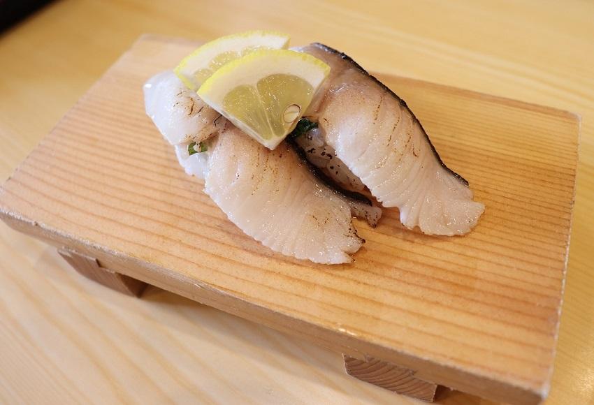 回転居食屋 悠喜の握り寿司(銀鱈の炙り)