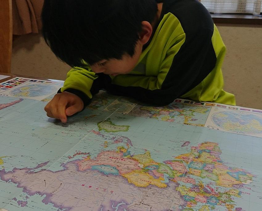 世界地図で国名あてっこゲーム