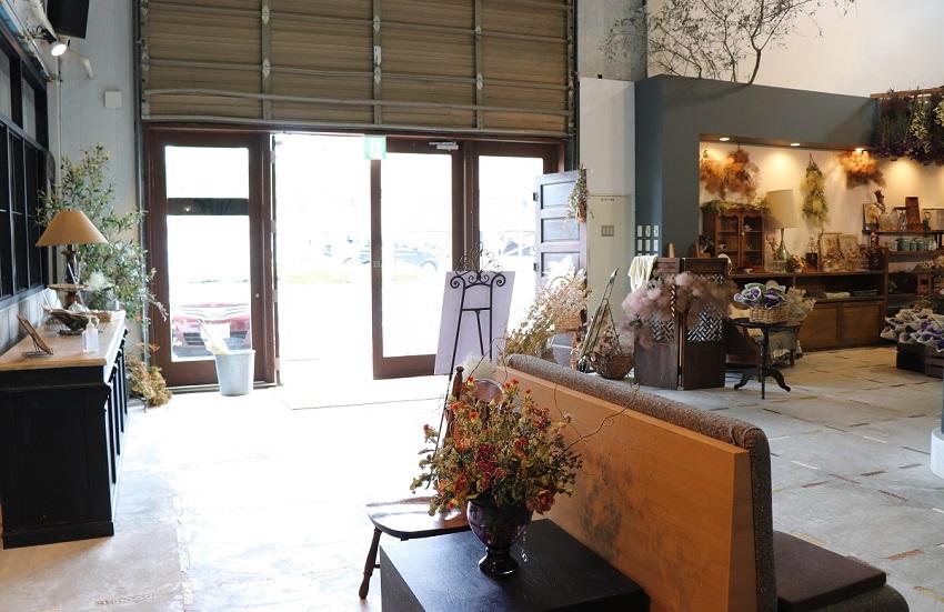 カフェnode(ノード)店内