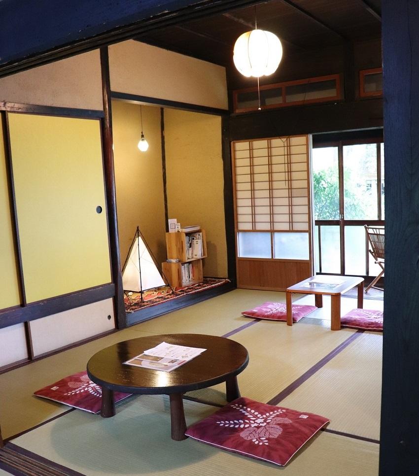 西粟倉村古民家カフェ「あるの森」