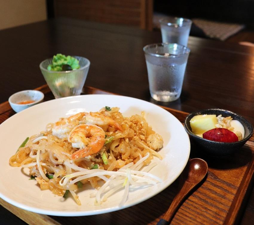古民家カフェ「あるの森」パッタイ(タイ料理)