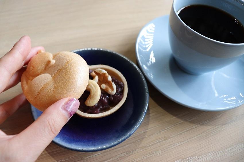 和カフェ「あんこや ぺ」モナカ