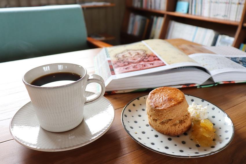ギャラリーFIXAとcafe calme(カフェカルム)