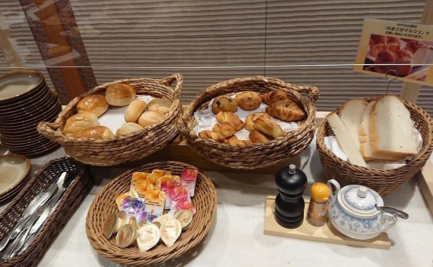 「ザ・シロヤマテラス津山別邸」地産ダイニング「みまさかキッチン」朝食ビュッフェ