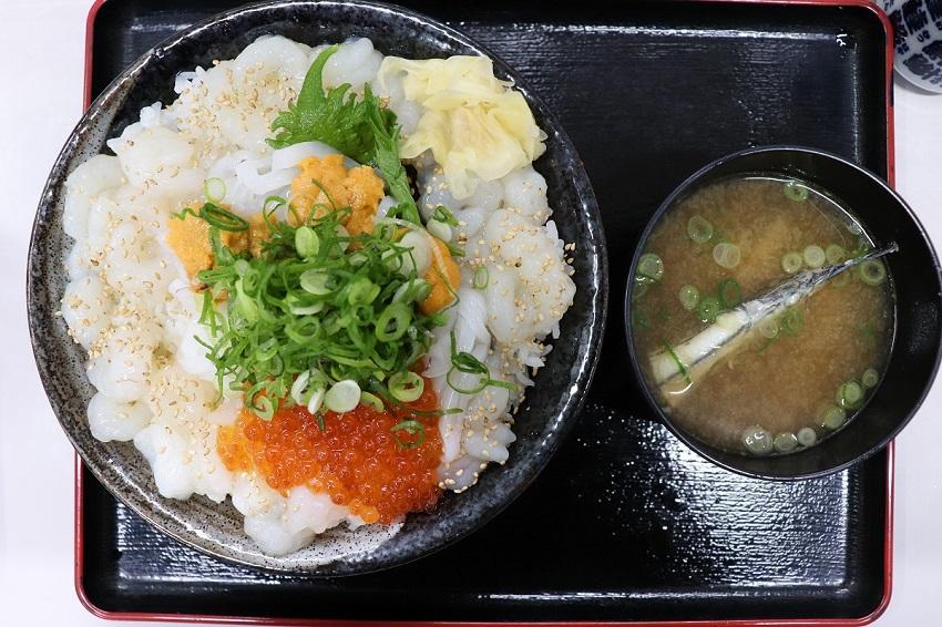 山芳海産「山芳亭」昆布締モサエビ丼