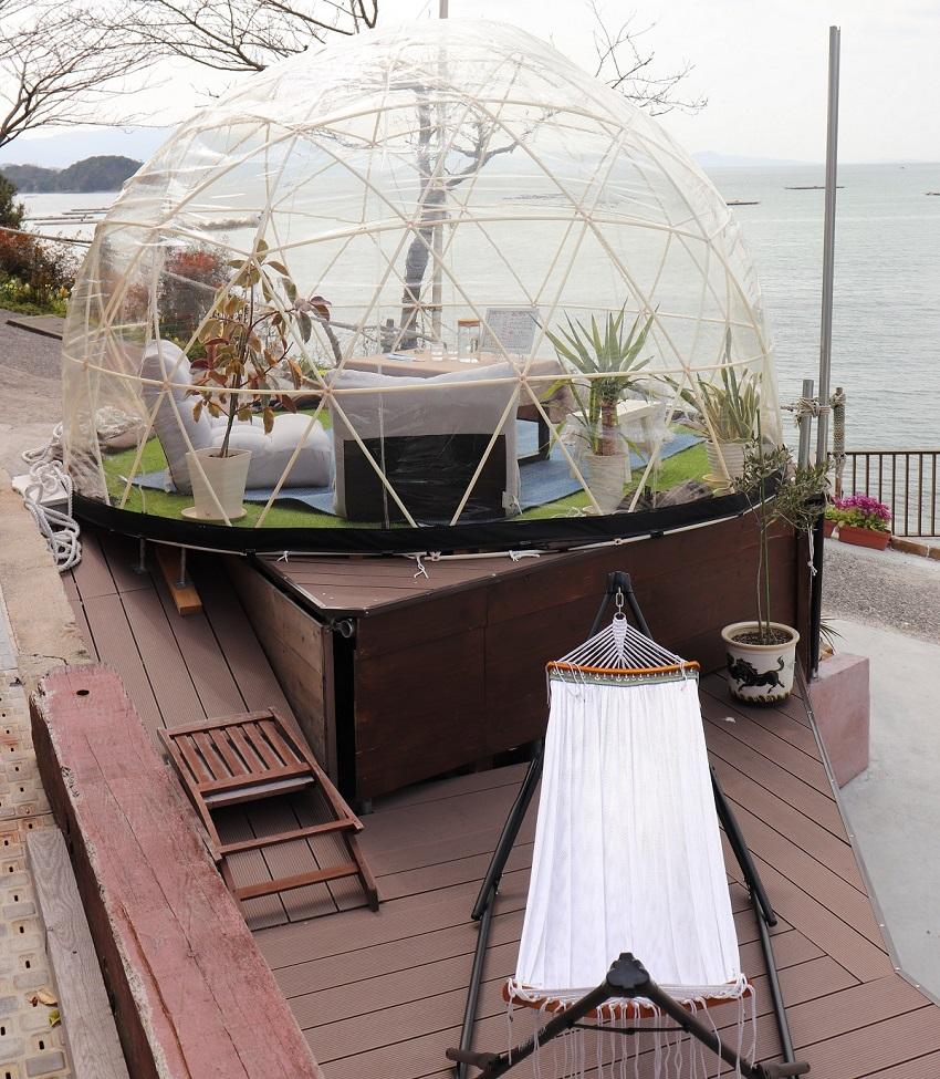 おやじの海「カフェ ラララ」ドーム型テント
