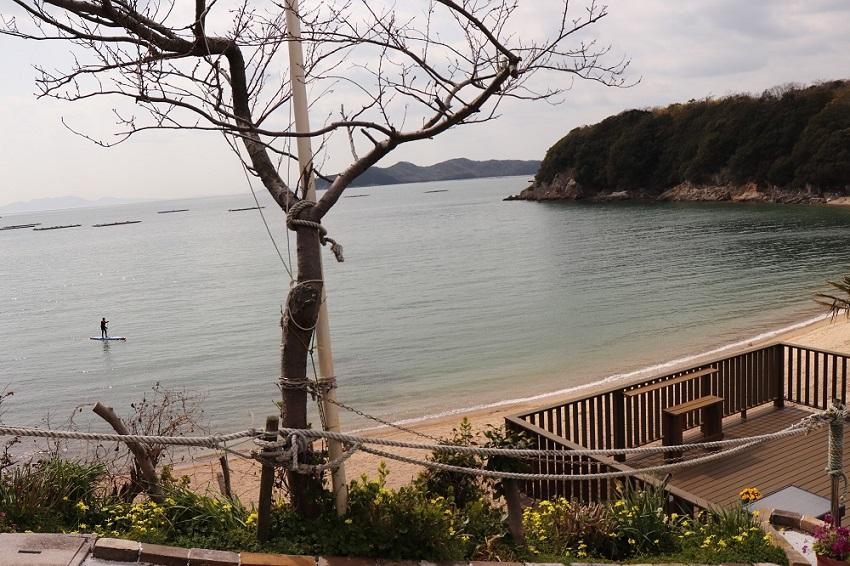 おやじの海「カフェ ラララ」の砂浜
