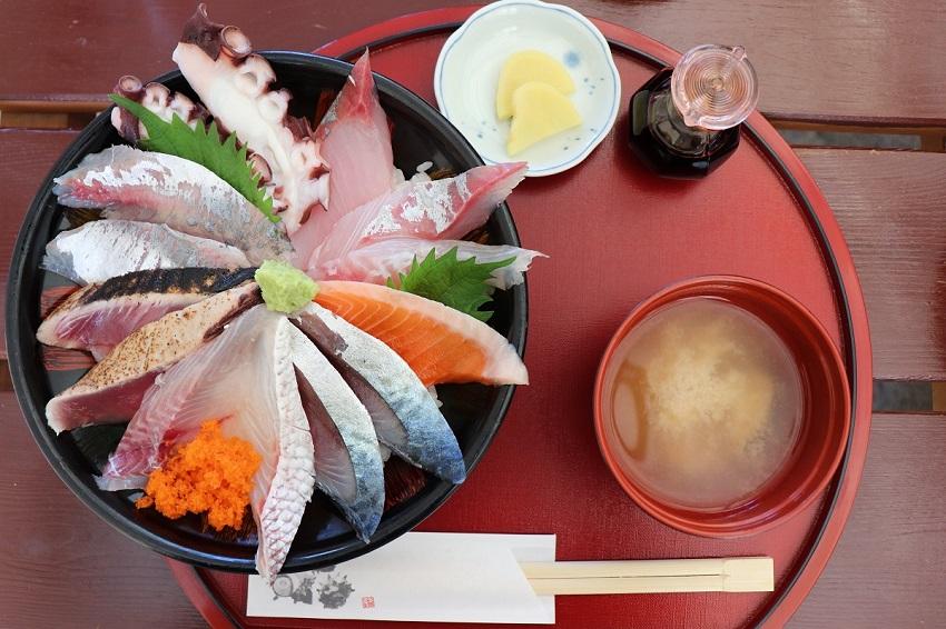 鯛喜の海鮮丼ランチ