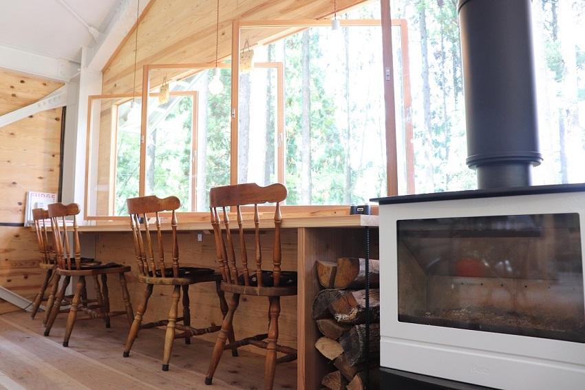 森の中のカフェ「もりくらす」