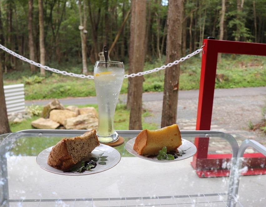 森の中のカフェ「もりくらす」シフォンケーキ